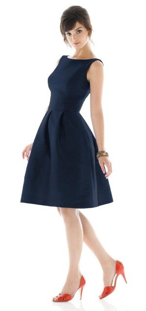 A classic day to night formal dress good for pear shape bodies. Just add a chunky necklace. Good when attending formal parties: Sung Style, Alfredsung, Wedding Ideas, Color, Bridesmaid Dresses, Bridesmaiddresses, Styles, Alfred Sung