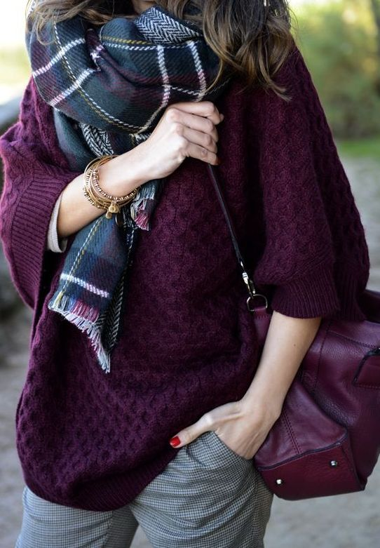Fall fashion | Oversize plum sweater, tartan scarf and grey trousers