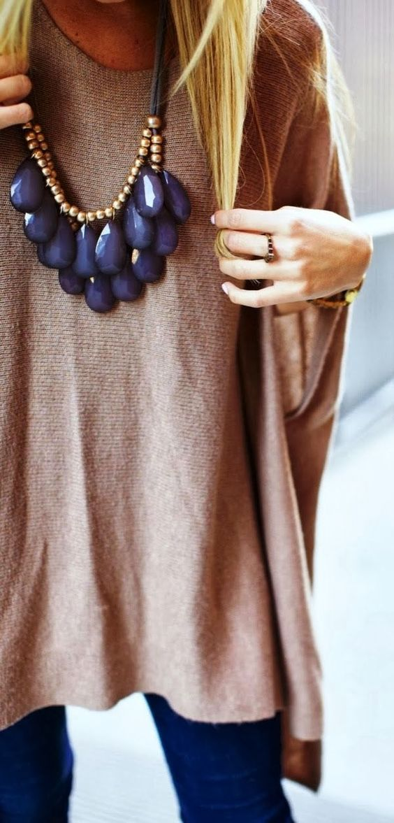 Large necklace with oversized comfy sweater