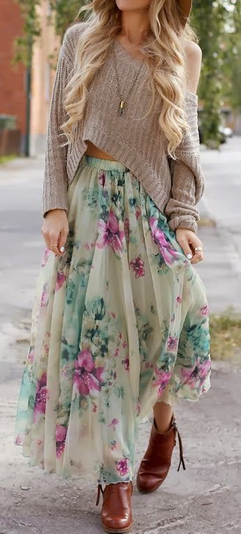 Flowery skirt with oversized cozy sweater and the big floppy hat, of course. Barefoot, though.: Sweater, Boho Chic, Floral Skirts, Dress, Outfit, Boho Style, Floral Maxi Skirts, Flowy Skirt