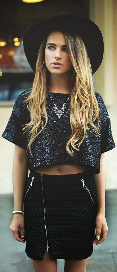 ❤ like it, pin it , comment  your opinion, & follow me!! more styles like this on my boards!: Outfits, Fashion, Crop Tops, Clothes, Street Style, Hair, Wear, Has
