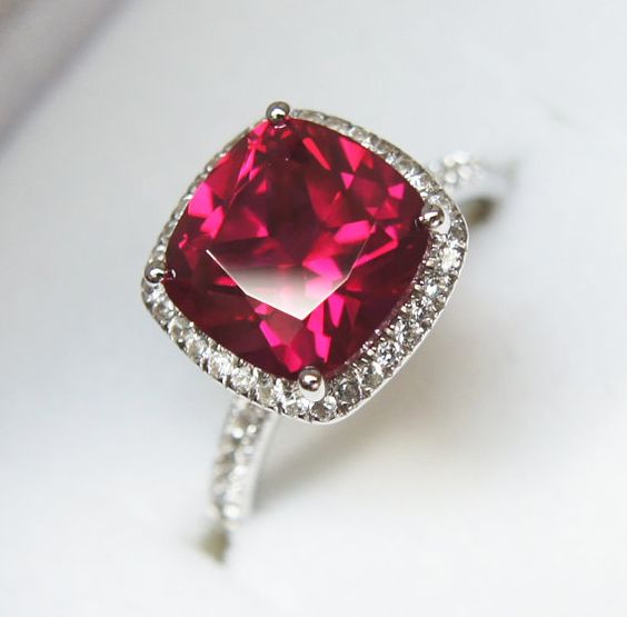 OMG!!! This might be the closest to a perfect ruby ring I've seen!