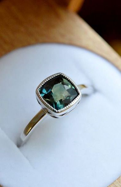This stunning sapphire ring is so unique!: Wedding Ring, Sapphire Rings, Sapphire Engagment Ring, Blue Sapphire Engagement Ring, Green Emerald Engagement Ring, Blue Engagement Ring, Engagement Rings