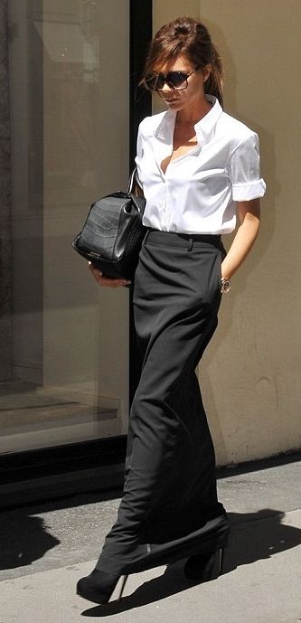 trouser skirt... I am really loving this skirt for fall/winter.  Not too sure if I can pull off this look: Long Black Skirt, White Shirts, Street Style, Beckham Style, Victoria Beckham, Long Skirts, Maxi Skirt Outfits Winter, Maxi Skirts