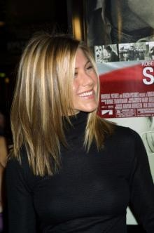 J Aniston - need this color for my hair: Hair Colors, Hairstyles Color, Medium Hairs, Hair Styles, Jennifer Anistons Hair Color, Style Hair Nails Clothes Ect, Jennifer Aniston Hairstyles, Jennifer Aniston Hair Color