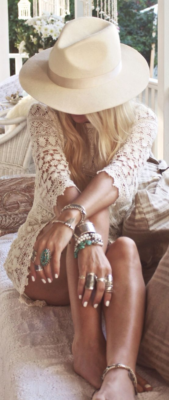 Learn The Roots And Norms Of Bohemian Chic   http://fashion.ekstrax.com/2014/10/learn-roots-norms-bohemian-chic.html