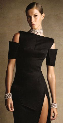Chic Chic Chic!: Sexy Black Dress, Sexy Dresses, Gisele Balenciaga, Balenciaga Gowns, Chic Chic, Little Black Dresses, Gisele Bundchen, Gisele Bundchen