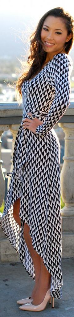 BuyerSelect » Top Fashion Bloggers; great color; great for date night, wedding, etc.: Wrap Dresses, Maxi Dresses, Fashion Dresses, Black White Dresses, Black And White, Street Style, The Dress, Fashion Blog, Dress Styles
