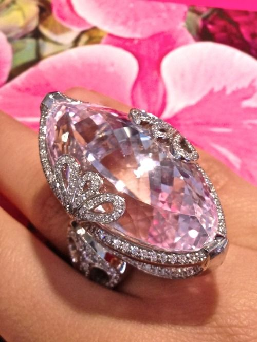 chrischelsea12548: Beautiful, 72 carat, marquise kunzite ring set in platinum with diamonds.
