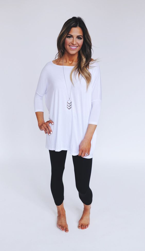 Love this look. Simple leggings and perfect top for it!!: Piko Top Outfit, Dot Tops, Outfit Idea, Piko Shirt, Fall Outfits, Piko Outfits, Tops For Leggings, Piko Dress Outfit, Simple Leggings