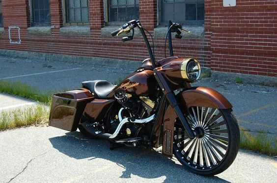 Can't let this one go un-pinned. My favorite color-BROWN! Beautiful!: Custom Baggers, Bikes Baggers, Harley Motorcycles, Custom Bikes, Ass Bagger, Motorcycles Love Em, Road King