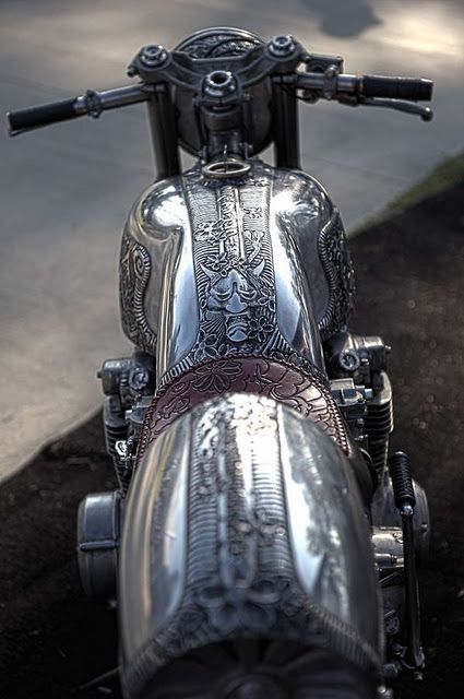 """Motorcycle Scrimshaw I saw this and the only thing that would come out of my mouth was """"OMG!"""" Steam punk bike :D: Harley Davidson, Work Of Art, Motorbike, Cars Motorcycles, Cb500 Cafe Racer, Cars Bikes, Cafe Racers"""