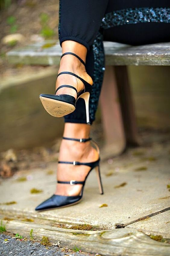Gianvito Rossi | Liked by - http://www.chinasalessite.com – Wholesale Women's Clothes,Online Catalog,Ladies Clothing,Wholesale Women's Wear & Accessories. LOWEST PRICES ONLINE @ AliExpress - http://s.click.aliexpress.com/e/UvvFQ3zn2.