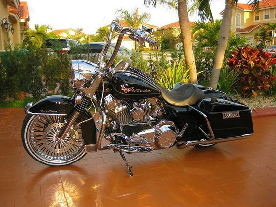 Harley Davidson Road King ℋ: Bikes Motorcycles Trikes, Custom Harley, Nice Bike, Harley Davidson Road King, Cars Motorcycles, Custom Baggers, Cars Bike, Road King Custom