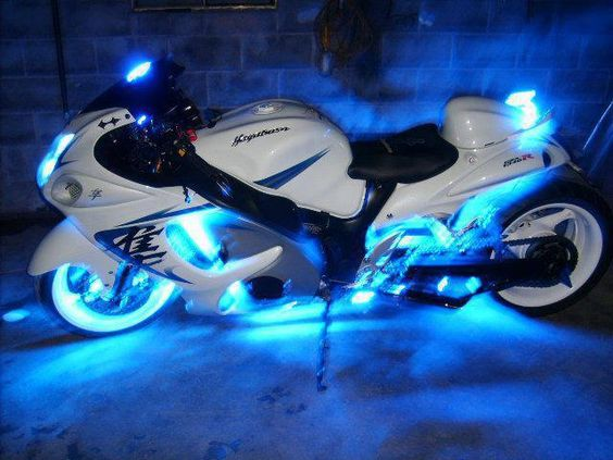 Suzuki Hayabusa ~ Crazy Cool ~ Love this bike!!!: Motorcycles Bikers, Bikes Motorcycles Trikes, Cars Motorbikes Yachts, Hayabusa Motorcycles, Hayabusa Kingsofcarhire, Cars Bikes, Motorcycle Underglow, Motorcycle Black