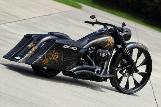 Custom Road King Baggers | this is by far one of the sickest custom road kings you will ever see ...: Ass Bike, Bikes Motorcycles Trikes, Harley Davidson Motorcycles, King Bagger, Road King