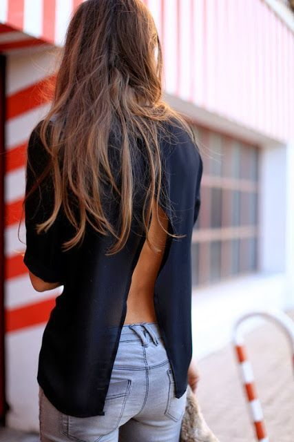 I don't wear jeans that often, and in this case these look great, as would a pair of white skinny jeans or white fitted capries. Navy is one of my fave colors, and with this open back and loose fit in the