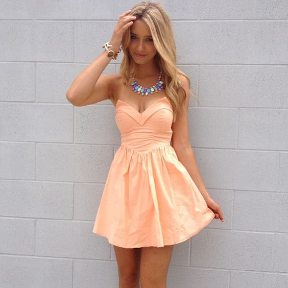 Cute dress....longer would be perfect! find more women fashion on www.misspool.com