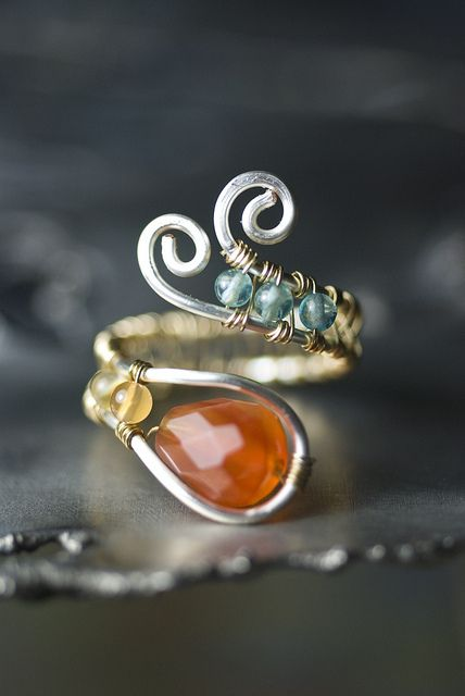 Wire wrapped ring - I can totally do this!!