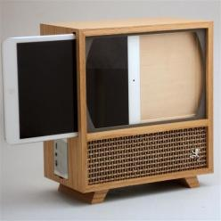 A Wooden Case That Turns Your iPad Mini Into A 1950s Television Set - DesignTAXI.com: Ipad Mini Cases, Diy Ipad Mini Case, Diy Ipad Case, Wooden Speaker