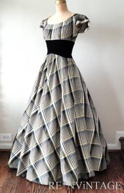"Beautiful dress!  I wish women still dressed like this!!! :)  And, I will add an ""AMEN!"": Fashion 1930, Style, Vintage 1930, Vintage Inspired Dress, Vintage Dress, 1930S Dresses, 1930S Fashion Dresses"