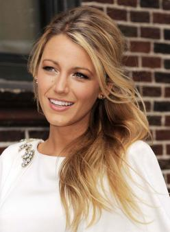 Blake Lively. My celebrity crush.  That hair!  www.simply-simplify.com: Blake Lively, Makeup, Gossip Girl, Hairstyle, Hair Style, Beauty, Hair Color, Blakelively