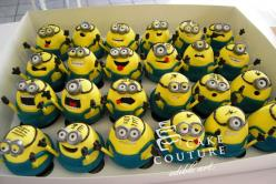 Despicable Me Cupcakes.. adorable! :D @Lauren Mareno: Cupcakes Adorable, Ideas, Birthday, Minion Cupcakes, Cupcakes 3, Despicable Me Cupcakes, Dessert, Themed Parties, Cupcake Minions