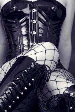Exciting!! My mind starts floating...: Fashion, Sexy, Gothic, Fishnet, Corsets, Latex, Fetish, Lingerie Corset, Black