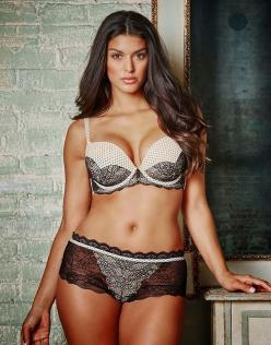Lady Accessories | Our flirty Chelsey  Plus Size bra features fishnet print on smooth pink microfiber cups accented with dramatic lace appliques in plus size. The plunge neckline highlights your cleavage, while the scalloped lace frame adds a romantic twi