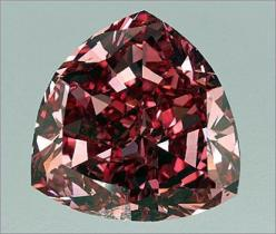 """Moussaieff,"" the largest Fancy Red diamond in the world. 5.11 carats,$7 million. Red diamonds are the most rare.: 5 11 Carats, Gemstones, Color, Moussaieff Red, Famous Diamonds, Fancy Red"