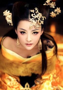 Added to  Beauty Eternal  - A collection of the  most beautiful women.: Faces, Geishas, Asian Beauty, Art, Beautiful, People, Photography, Black