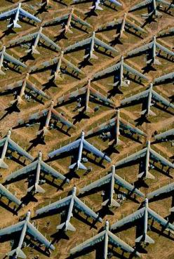 airplane graveyard  Wallpaper iPhone 4/4S and iPhone 5/5S/5C http://iphonetokok-infinity.hu/ http://galaxytokok-infinity.hu/: Airplane Graveyard, Air Force, Pattern, B52S, Aircraft Graveyard, B 52, Airplane Boneyard, Planes