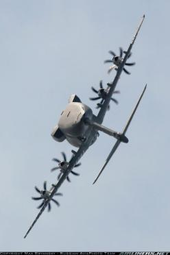 An Airbus A400M Atlas performing a highly unusual maneuver for a transport plane — a roll.: Airplanes Jets, Aviation, Airbus Aircraft, Airbus A400M, Photo, Planes Airships, Planes, Air Planes, A400M Making