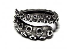 Antique Octopus Tentacle ring on Etsy - I have a bit of an obsession with tentacle art ahaha sounds.. well.. moving on lol: