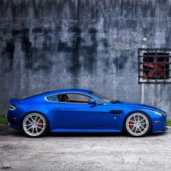 Aston Martin - looks damn cool in blue.: Martin V8, Astonmartin, Blue Color, Dream Cars, Auto, V8 Vantage, Exotic, Martin Vantage, Aston Martin