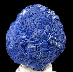 Azurite / Chessy-les-Mines, France Mineral Friends: Blue Gemstones, Crystals Gemstones Fossils, Crystals Minerals Gemstones, Gemstones Minerals, Healing Spiritual Gems Rocks, Rocks Crystals Minerals, Stones Gemstones Crystals, Crystals Gemstone Minerals