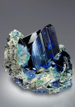 Azurite -what a stunning piece I could sleep inside it and it will talk to my dreams..: Gems Minerals, Minerals And Rocks, Gems Stones, Crystals Minerals, Crystals And Gemstones, Crystals Rocks, Crystals Gemstones
