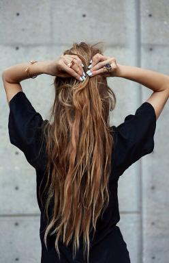 BAUBLE OF THE DAYPull it together source: weheartit.com/: Hairstyles, Fashion, Hair Styles, Hair Goals, Long Hair, Hair Beauty, Nails, Hair Color