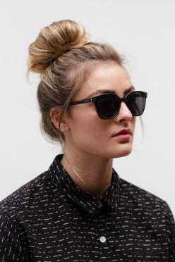 Bea Black Stripe Top: Sunglasses Fashion, Fashion Ideas, Street Style, Hairstyle, Black White Stripes, Black Stripes, Black Sunglasses, Ray Ban Outlet, 12 99