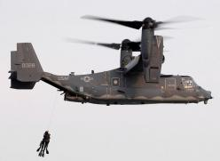 Bell Helicopter CV-22 Osprey hoisting US Navy Seals - Cargo VTOL Aircraft: Helicopter, Aviation, Military Aircraft, Air Force, Airplanes Jets Aircrafts, Navy Seals, Military Airplanes