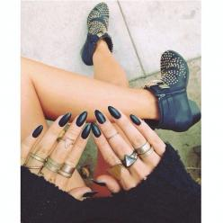 blackbrasil:  klassy-killa:  klassy-killa.tumblr.com  buy rings here: www.champagnelux.storenvy.com: Fashion, Style, Rings, Beauty, Nails, Accessories, Claw, Nail Art, Black