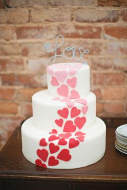cake oh hearts- shades of purple with a yellow LOVE would be perfect!: Heart Wedding Cakes, Wedding Ideas, Valentines Day Weddings, Heart Cake, Ombre Heart, Cake Decorating, Valentine S