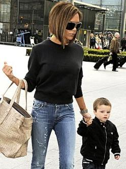 Can I be her please?!! She has the man and she has effortless style !!!: Short Hair, Hairstyles Colors, Hair Styles, Beckham Hair, Hair Cuts, Victoriabeckham, Victoria Beckham, Haircut, Hair Color