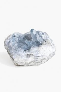 Celestite, known for its beautiful sky-blue crystal formations, encompasses the properties of clarity, clear communication skills, and the balancing of energy. Have an interest in alternate worlds? Celestite is also known for use in dream recall and astra