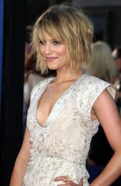 Cute and Choppy medium layered haircuts - Google Search: Medium Length, Cute Short Layered Hairstyles, Hair Styles, Exaggerated Hairstyles, Bob Hairstyles, Medium Layered Haircuts, Haircuts Hairstyles, Blonde Hairstyles, Wavy Haircut