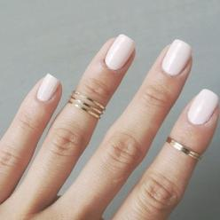 Cute and simple. You will get a set of 2 rings. Also comes in silver.: Grazil Golden, Pink Polish, Acrylics Nails, Gold Midi Rings, Nails Fingers Polish, Gold Rings, Follow Me, Golden Rings, Polish Color