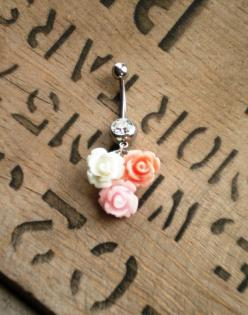 cute little, floral belly button ring. It's a little much, but still super cute.: Belly Rings, Pink Roses, Belly Piercings, Belly Button Rings, Tattoos Piercings, Flower Pink