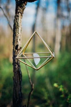 DIY gemstone mobile | Paula Bartosiewicz Photography | see more on: http://burnettsboards.com/2014/05/bohemian-gemstone-shoot-diy-elements/ #DIY: Bohemian Decor Diy, Diy Gemstones, Diy Crafts, Bartosiewicz Photography, Crafties Projects, Crystals Healing