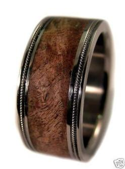Don't know if I like the detail on the band, but I like the wood color.: Wood Wedding Band, Brown Maple, Wedding Bands, Wooden Mens Wedding Band, Mens Wooden Wedding Band