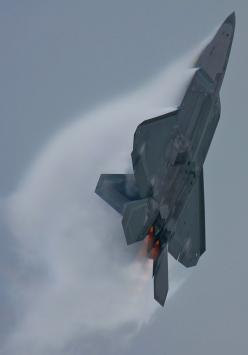 F-22 Raptor - Note the Vector Paddle angle in afterburner to the angle of the Raptor. That vectored thrust enables extreme angle of attack: Airplanes Airplanes, F22Raptor, Airplanes Jets Fa 22, Military Aircraft, F 22 Raptor, Aircraft, Photo, Raptors